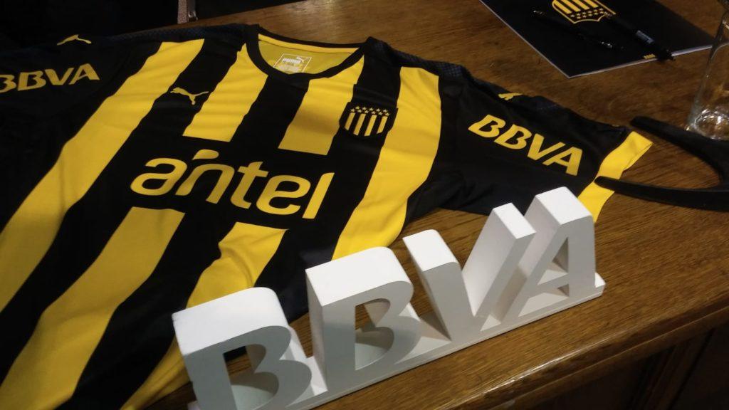BBVA y el Club Atlético Peñarol sellaron su alianza estratégica a través de la firma de un acuerdo que incluirá acciones exclusivas para socios del Club.