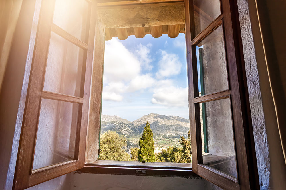 casa-rural-vivienda-campo-naturaleza-ventana-recurso-bbva