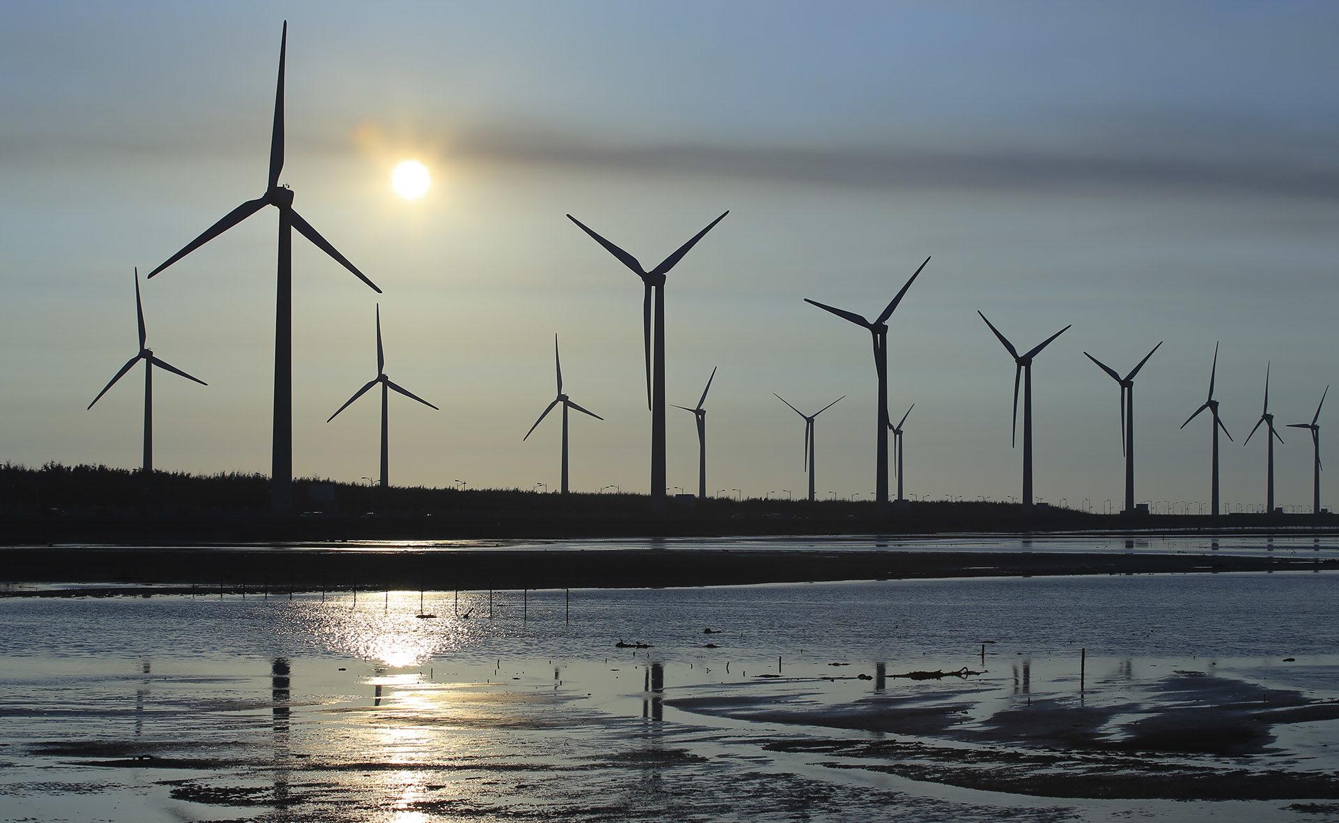 Fotografía de Molinos, aerogeneradores, energías renovables, medioambiente, sostenibilidad