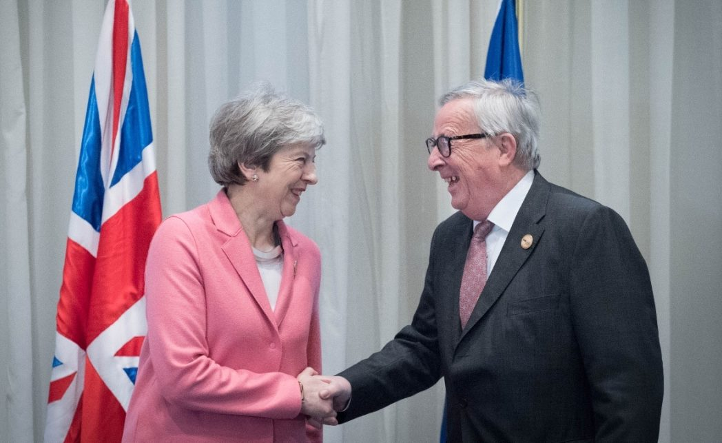 efe_theresa_may_Jean_Claude-Juncker_bbva_recurso