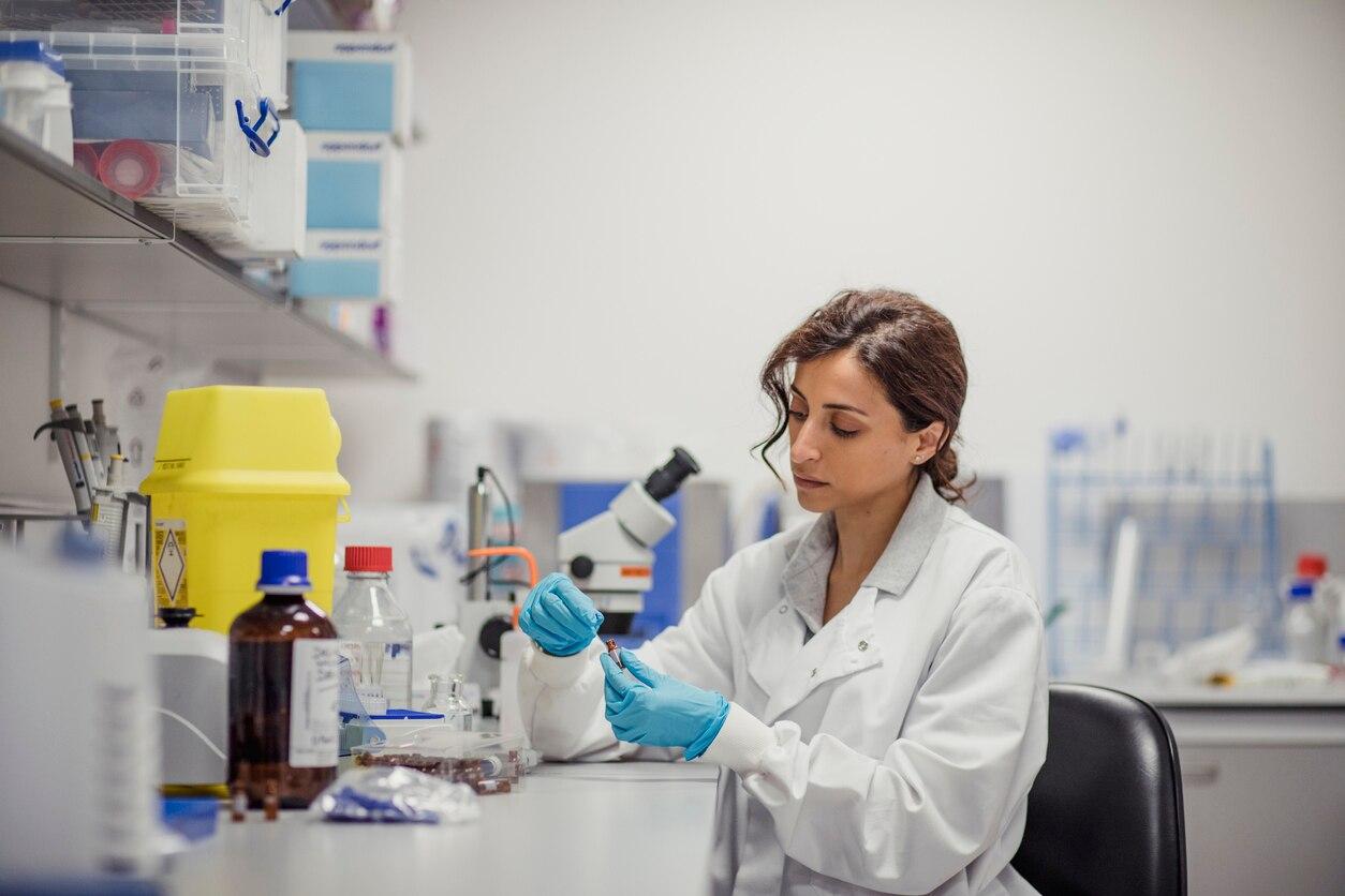 mujer ciencia stem bbva recurso