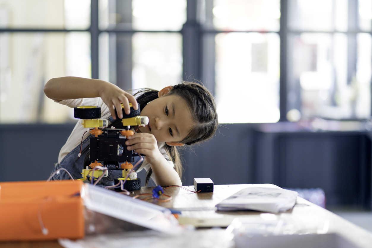 ninas tecnologia mujeres stem bbva recurso robots