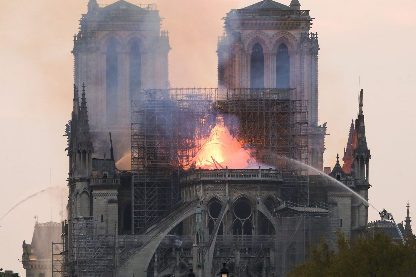 efe_notre_dame_paris_incendio_bbva_recurso