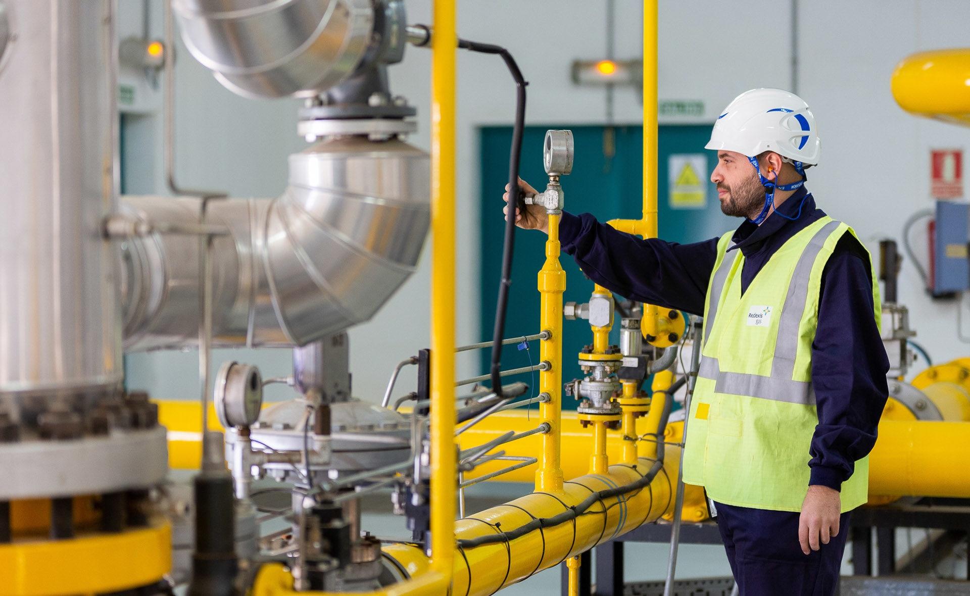 Fotografía de Conductos, tubos, trabajador, empresa, corporación, fábrica