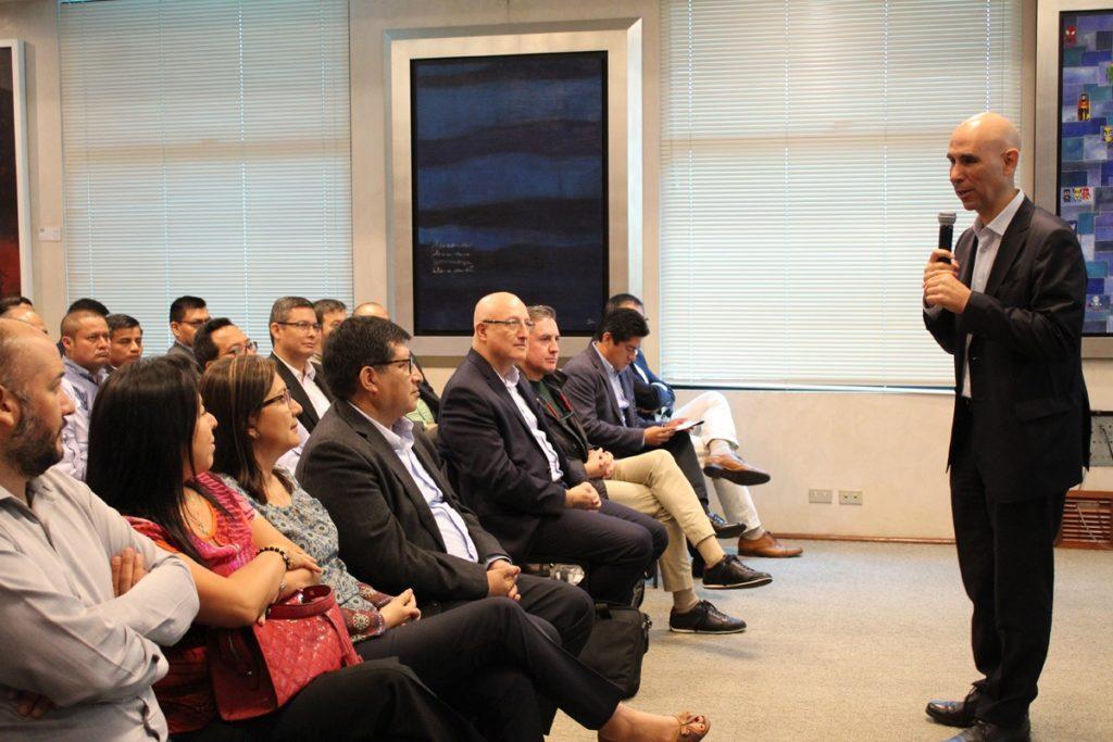 Eduardo Torres-Llosa, CEO de BBVA Continental, en Financiera Confianza