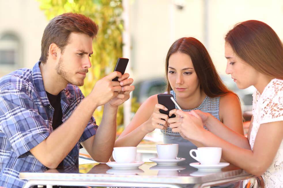 Nomofobia o adicción al celular - phubbing