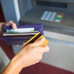 Transacciones en cajero con tarjeta de crédito o débito