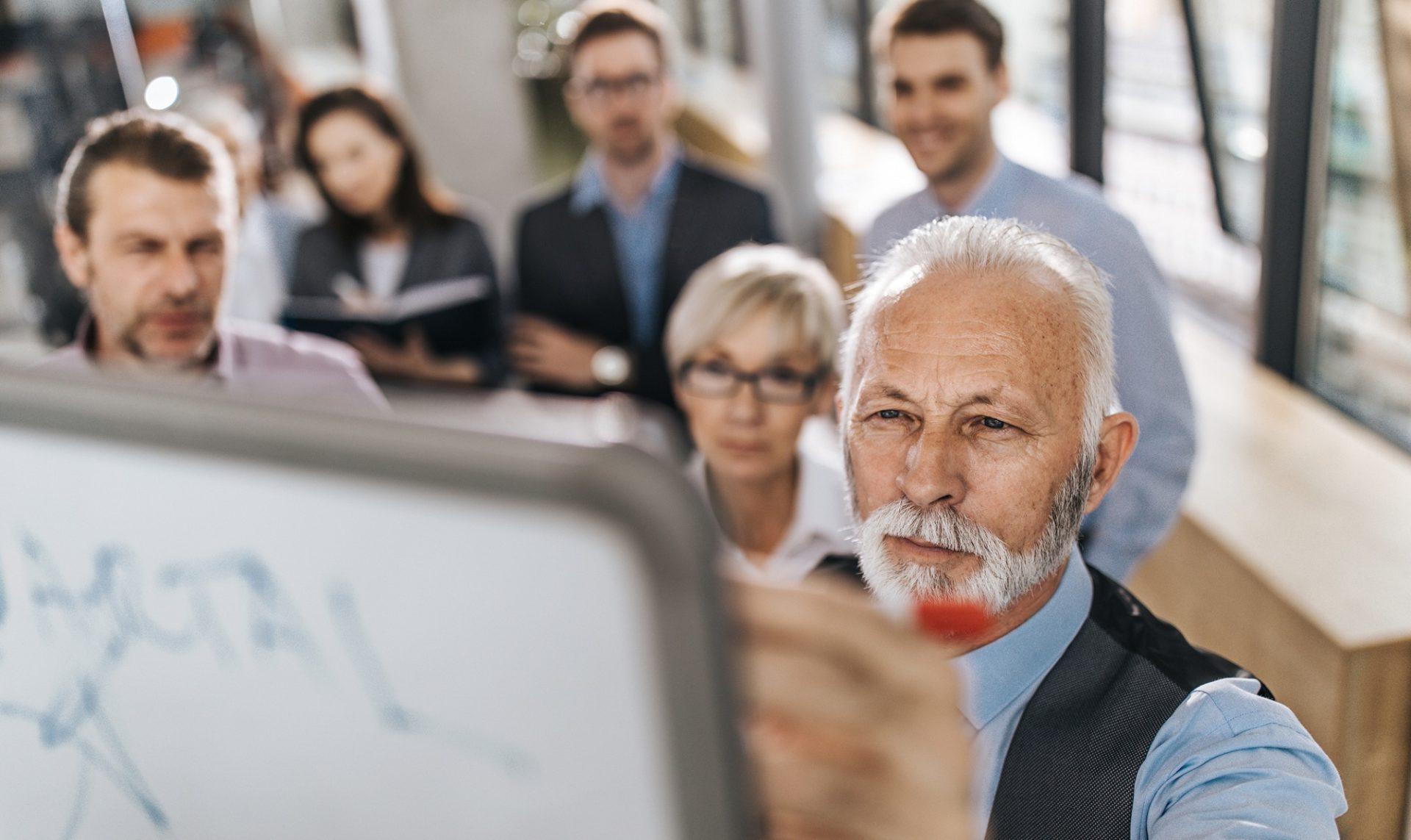 emprendimiento-senior-momentum-bbva-recurso