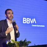 Alberto Charo en evento de nueva identidad de marca