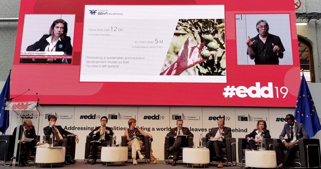 Fotografía de Responsable de Soluciones Financieras Sostenibles de la Fundación Microfinanzas BBVA, en los European Development Days