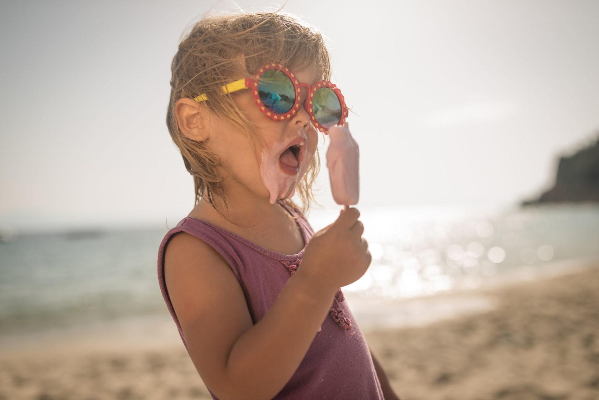 verano-nina-calor-helado-sol-vacaciones-millennial-recurso-bbva