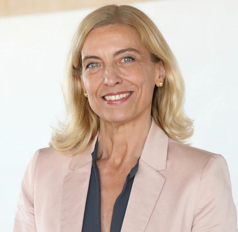 Ana Fernández Manrique recorte bio