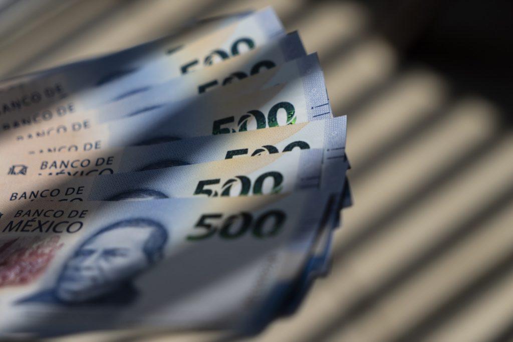 dinero -pesos - mexico