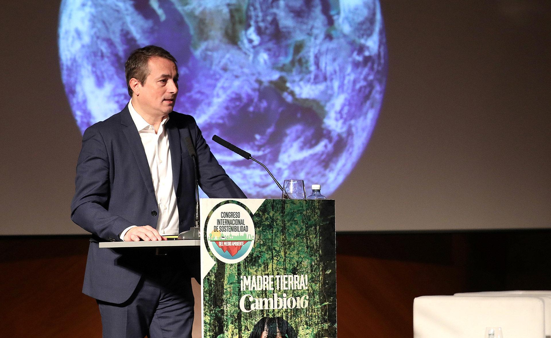 BBVA-Congreso-Internacional-de-Sostenibilidad-Toni Ballabriga-tierra-Cambio16-planeta