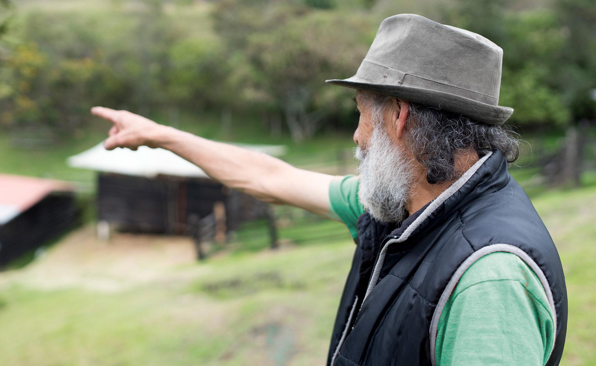 BBVA-pobreza-hombre-rural-latam-fundación-microfinanzas-