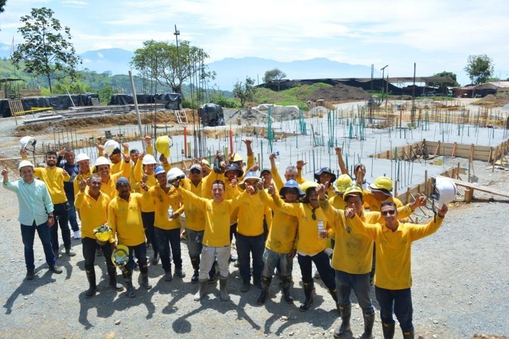 Empleados de Syma, en Valaparíso, Antioquia