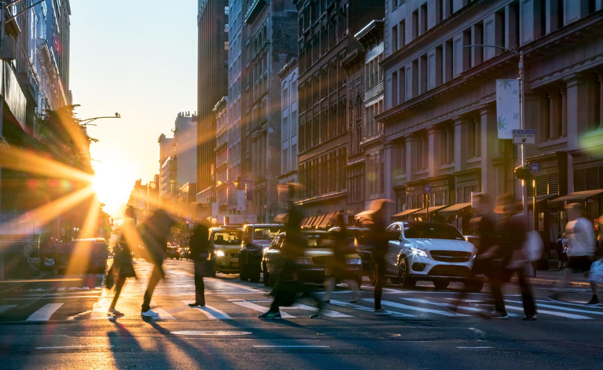 empleo2-ciudad-gente-movimiento-urbanismo-rutina-bullicio-
