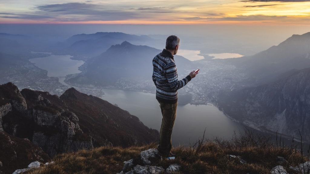 Fotografía de Paisaje, montañas, atardecer, persona, móvil, cliente, plataforma, naturaleza, sostenibilidad