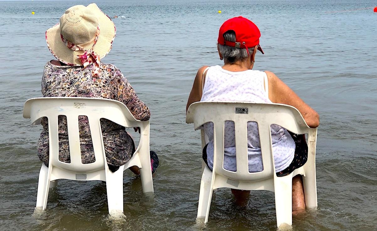 Las personas de la tercera edad se benefician de este paraíso del Mar Caribe.