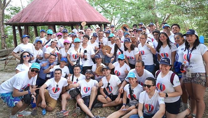 Voluntarios 10 - BBVA Siembra de árboles