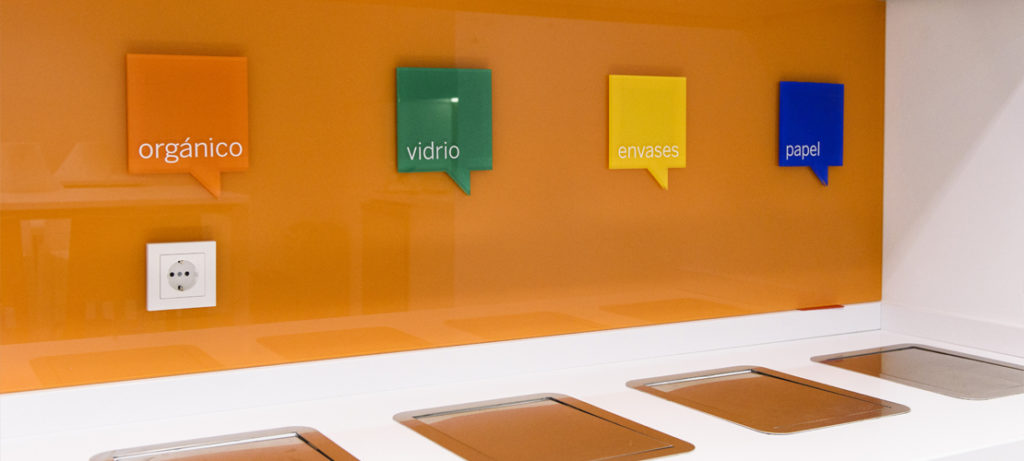 Reciclaje en oficina de BBVA en España