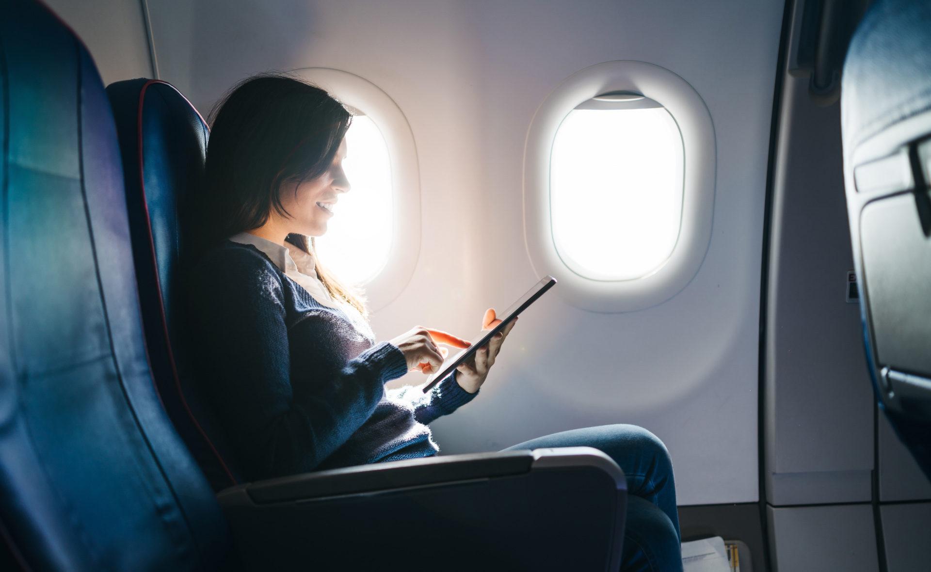 booking-viajar-acuerdo-bbva-vuelos-avión