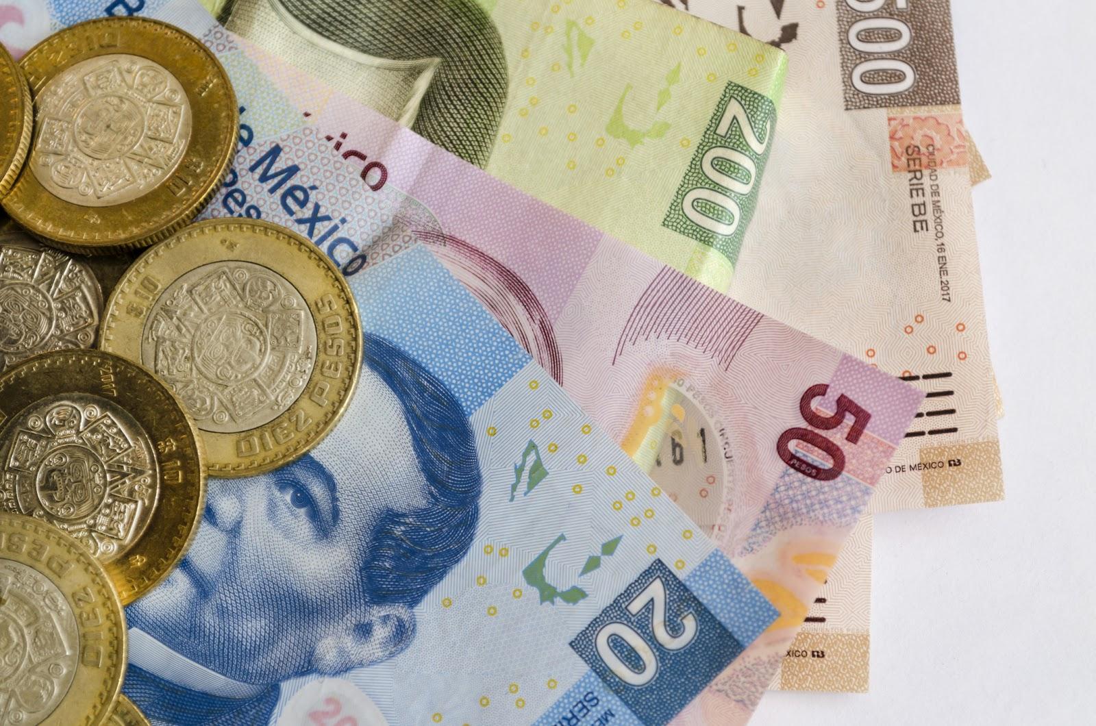 Billetes y monedas en proceso de retiro