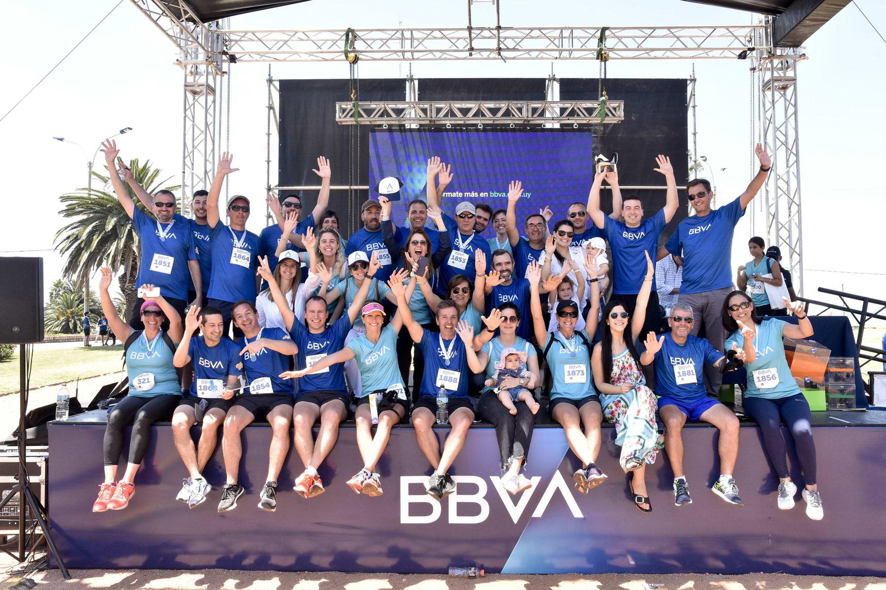 7K grupo de empleados de BBVA Uruguay