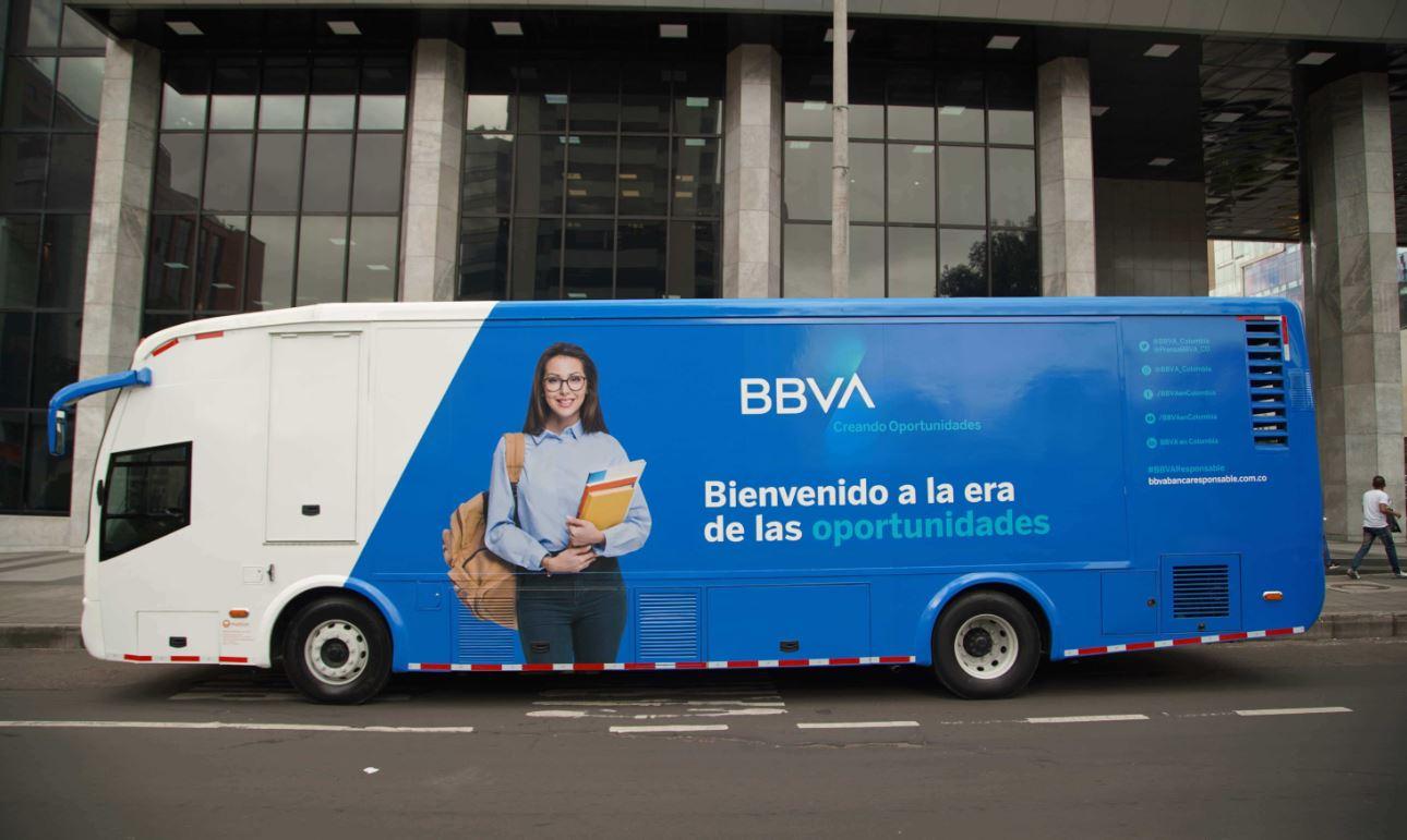 El aula móvil 'embajadora' de la marca ha sido protagonista con su nueva imagen