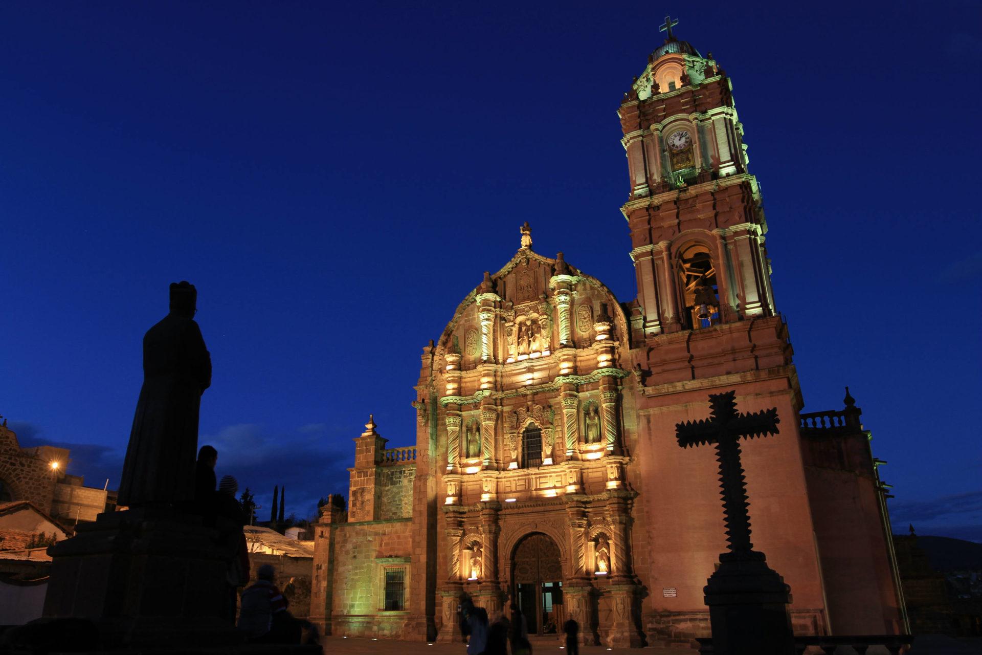 Dos destinos cercanos a la Ciudad de México para comprar esferas de Navidad