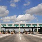 ¿Qué beneficios tiene viajar en autopistas de cuota?
