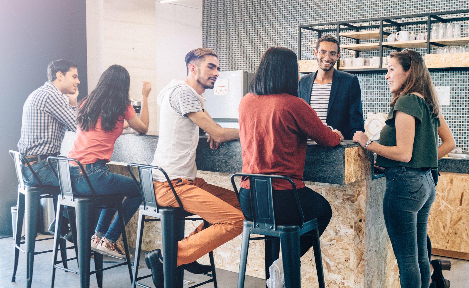 Momentum- juventud- empresas-equipo-emprendimiento