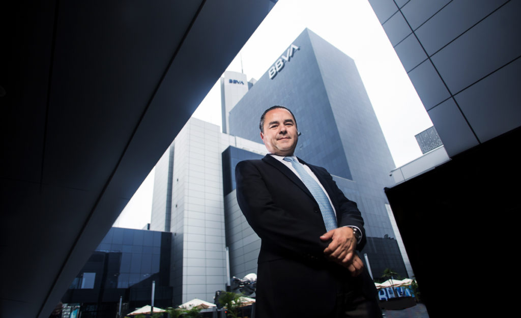 Fernando Eguiluz entrevista con America Economia Peru