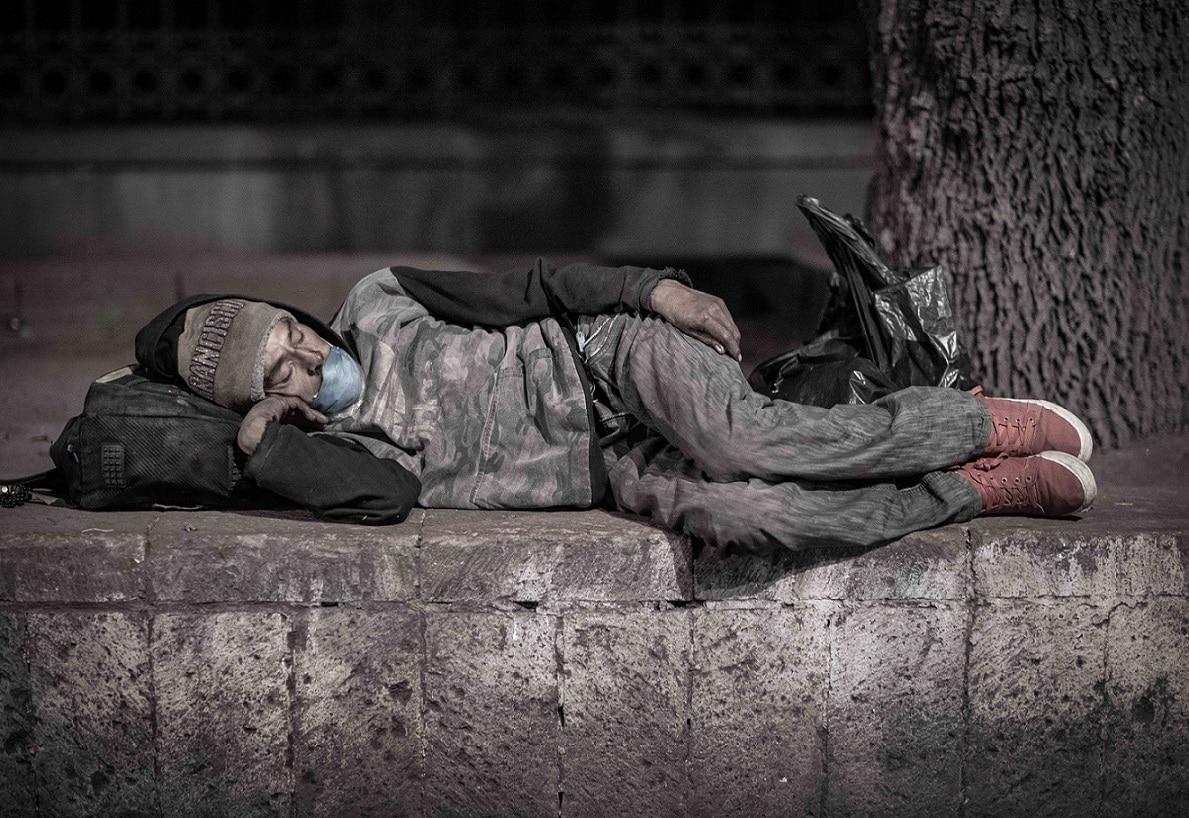 CoronaVirus indigente dormido