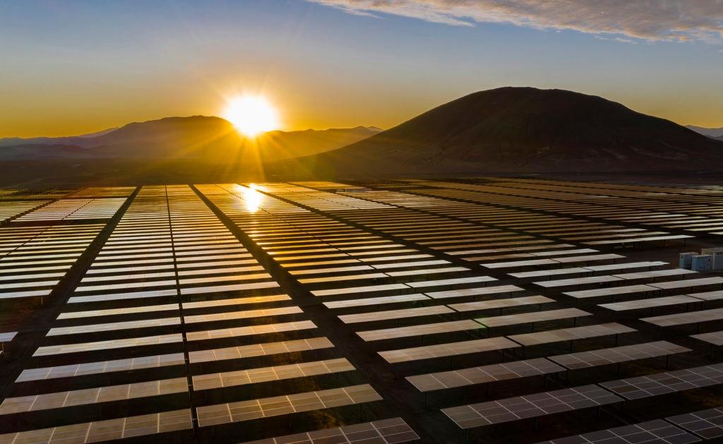 BBVA-Energia-Solar-compromiso-2025