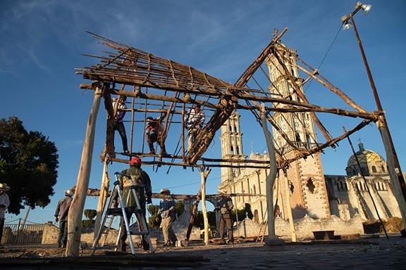 Construcción de La casa de todos de Ulises Matamoros