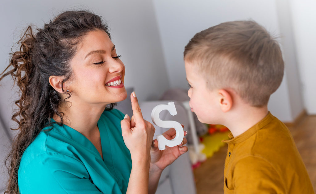 BBVA-garanti-obra-social-apertura-madres-hijos-pequeños-familia