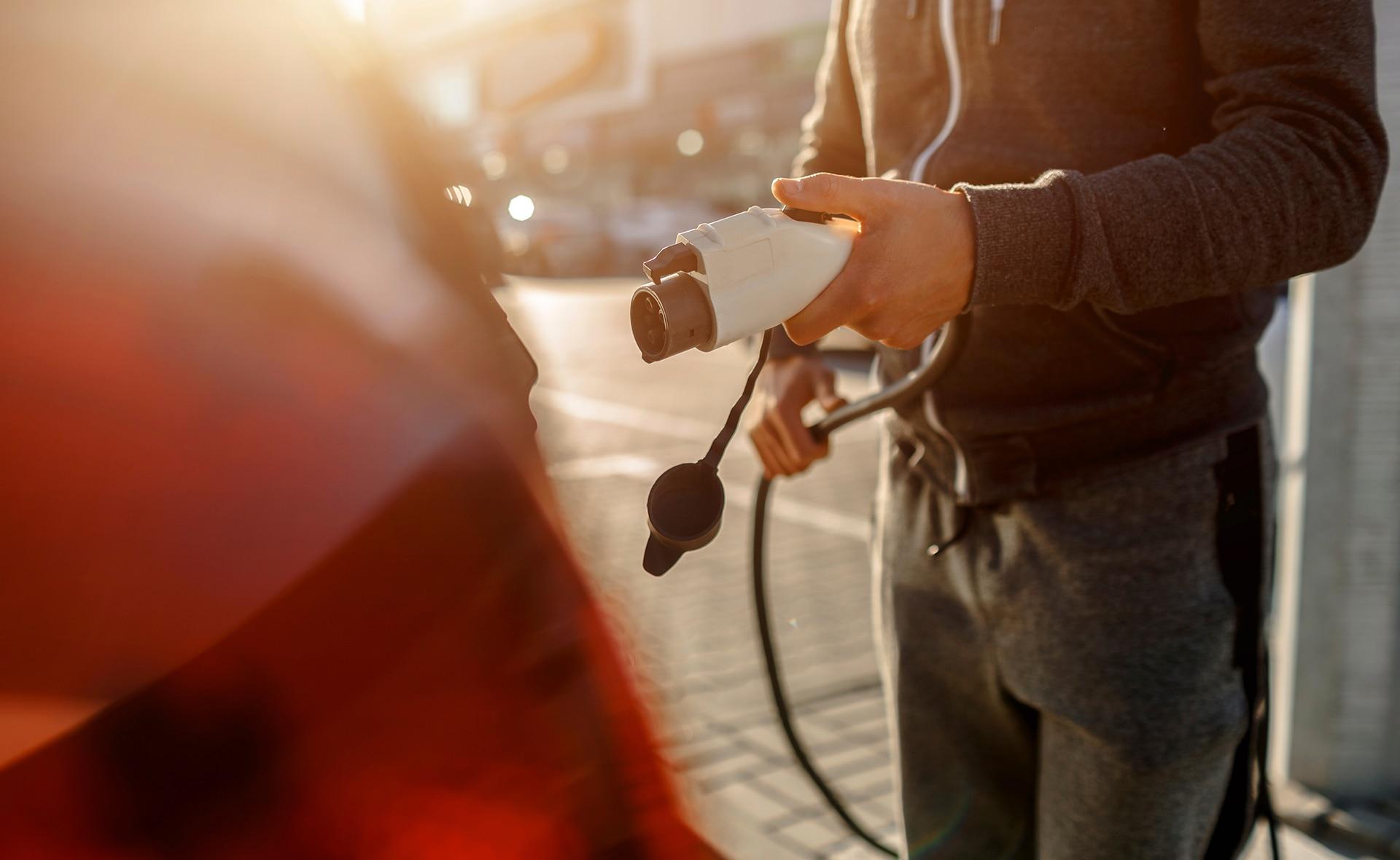 BBVA-Peru-Coches-Electricos-transporte-sostenibilidad-alternativa-vehículo-contaminación-tráfico-autos-combustible-energía-eletricidad-carburante