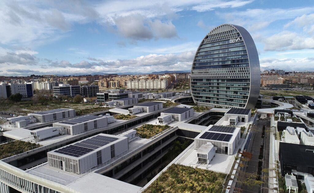 BBVA-Plan-General-Ecoeficiencia-energía-solar-sede-banco-recurso-vela-bbva-
