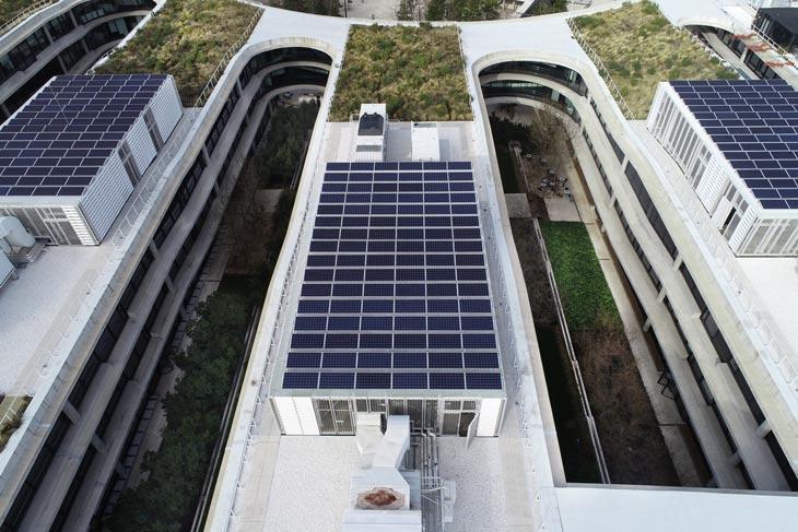 BBVA-Plan-General-Ecoeficiencia-interior-paneles-ciudad-sede-bbva-energía-solar-recurso-banco-vista-dron-