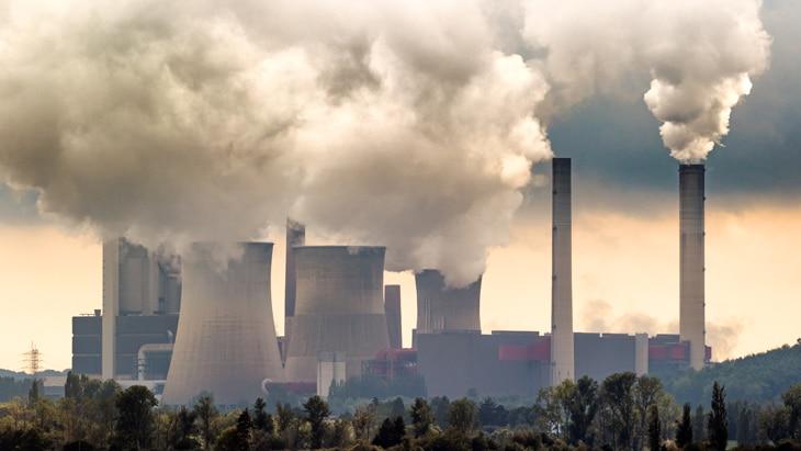 BBVA-cambio-climatico-interior-contaminacion-ciudades-efectos-gases-humos-fabricas-energia-consejos-planeta-urbanizacion