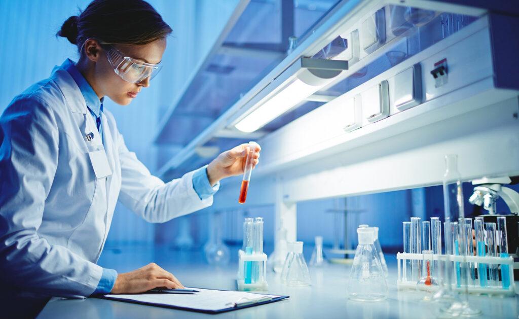 BBVA-impulso-femenino-STEM-interior3-mujer-ciencia-carrera-trabajo-diversidad-igualdad-invetigación