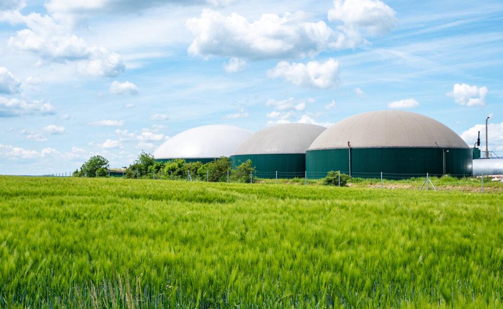 campo-naturaleza-protección-ahorro-energía-renovable