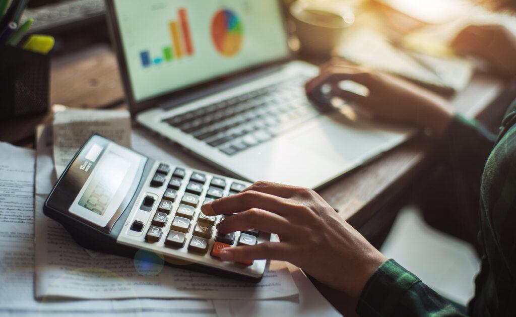 ¿Por qué la educación financiera es vital para sobrevivir en el mundo de la empresa?