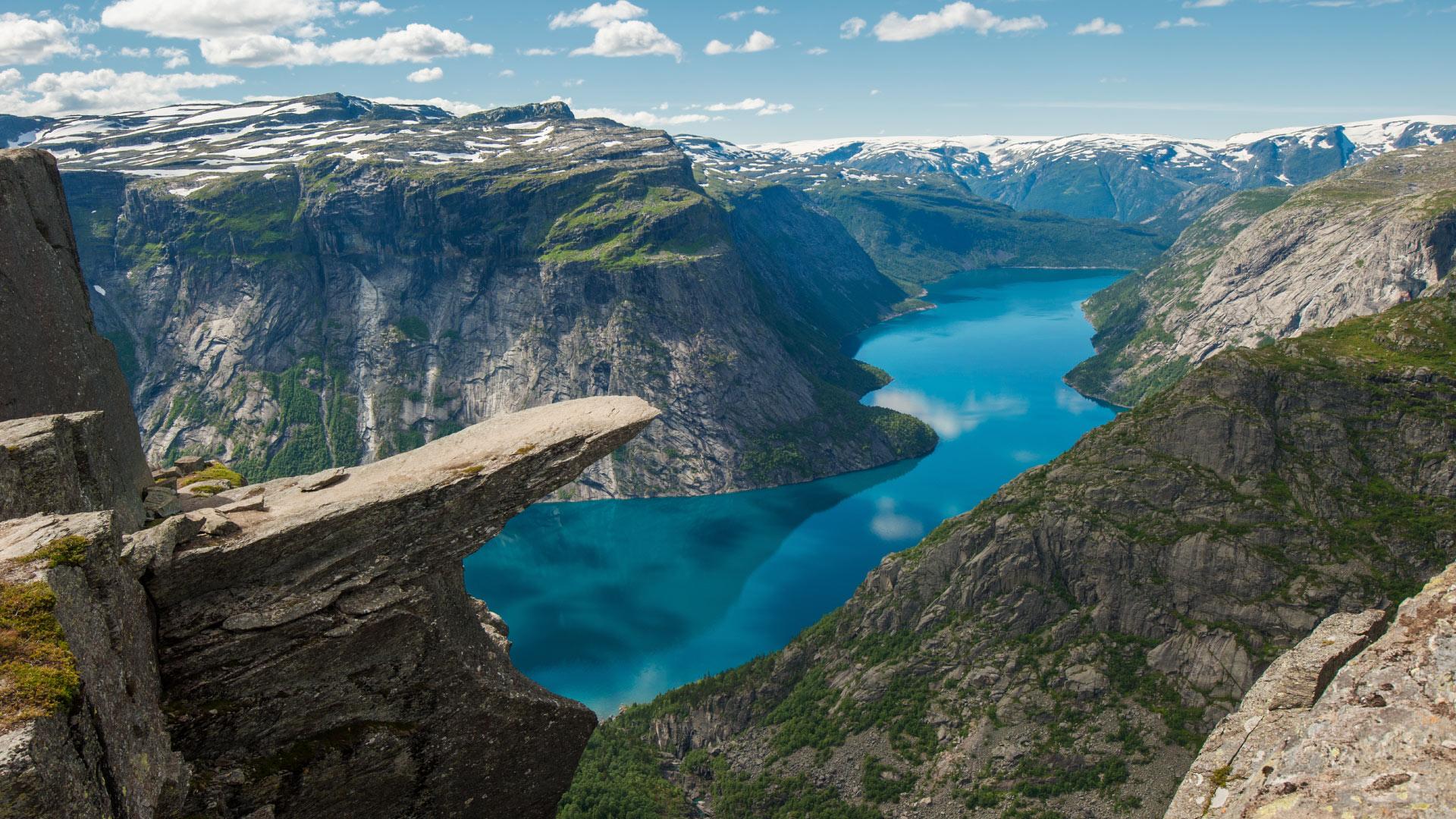 noruega-río-paisaje-naturaleza-país-montañas-respirar-relax-montañismo-vegetación-