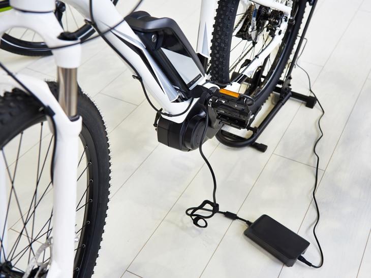 BBVA-bateria-bici-electrica-bicicleta-deporte-ciudad-movilidad-sostenible