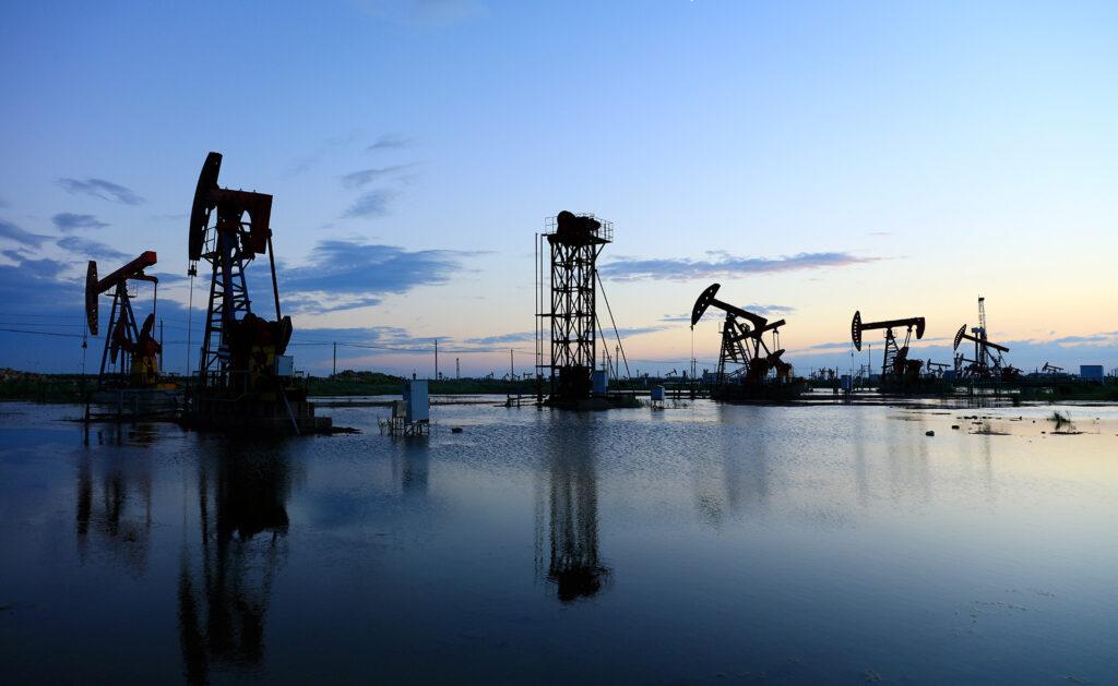 BBVA-petroleo-apertura-historia-medioambiente-combustible