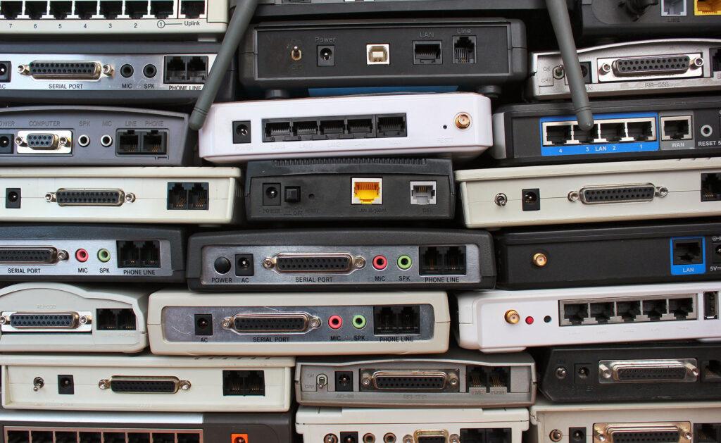 BBVA-residuos-electronicos-apertura-basura-digital-recurso-piezas-moviles
