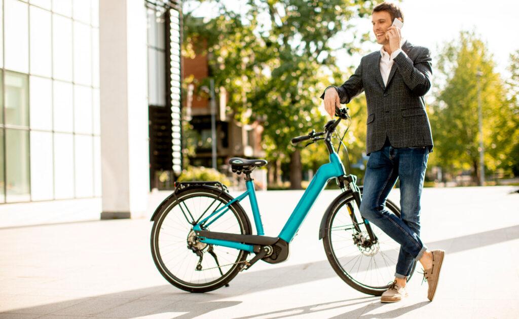bicicletas_electricas_transporte-movilidad-verde-sostenibilidad-patinete-ruedas