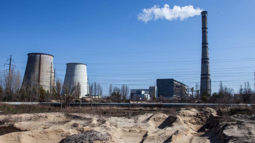 cogeneracion-industrias-sostenibles-chimeneas-vapores-gases-urbano-contaminacion-enregias